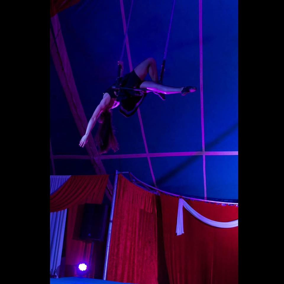 6b-gran-circo-marconi-acrobata
