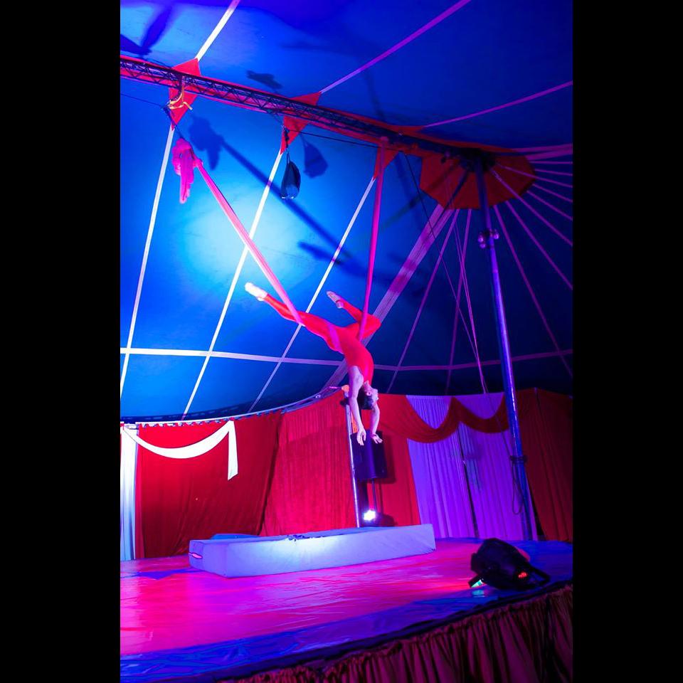 6c-gran-circo-marconi-acrobata
