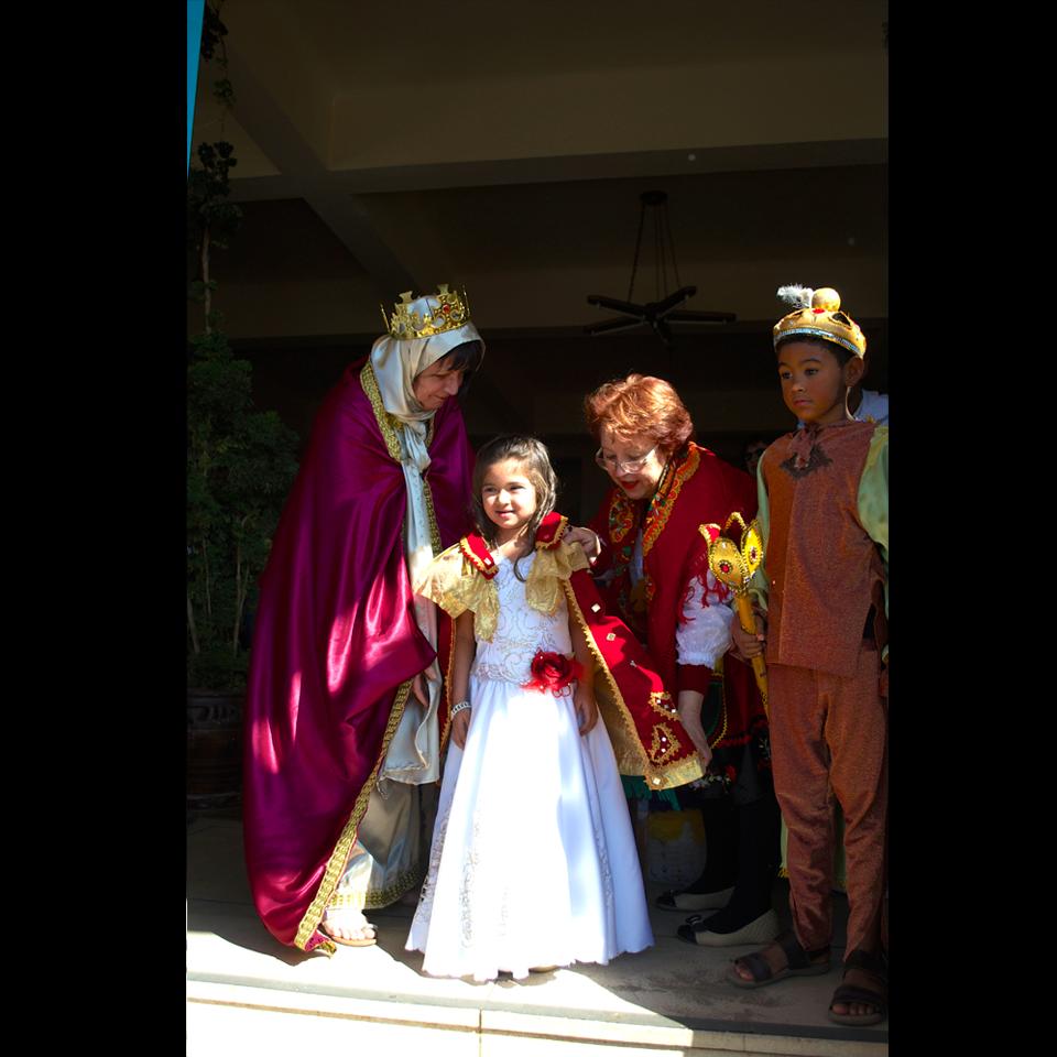 festa-do-divino-2016-01-coroacao-imperatriz-vert