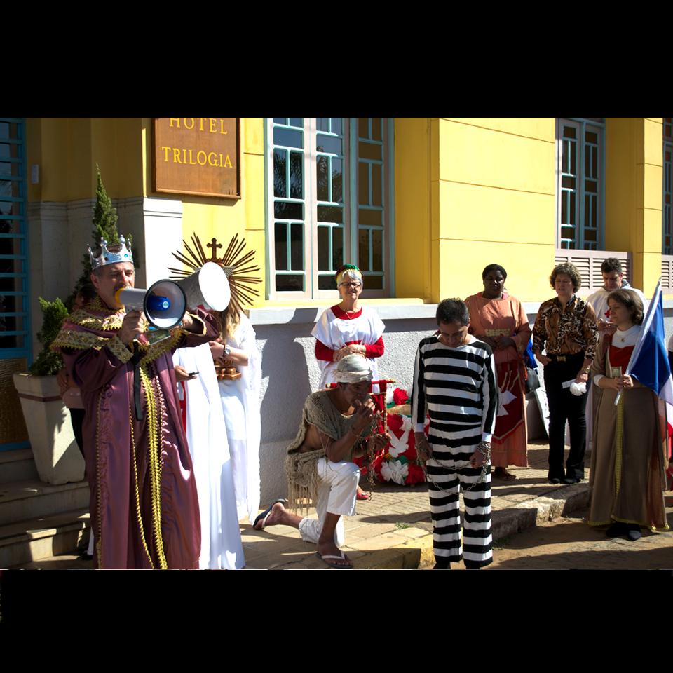 festa-do-divino-2016-01-libertacao-presos-hor